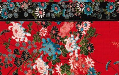 Galleri Suzzie Tapper - bakgrund tyg i chinaröd för fotosidan